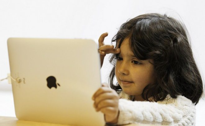 Babies Addicted to iPads and Smartphones