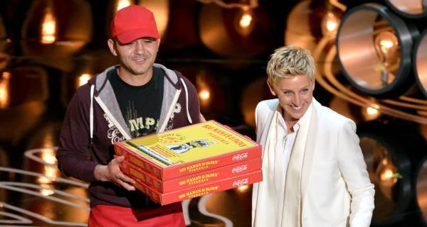 $1,000 Tip from Ellen : Oscar Pizza man stunned