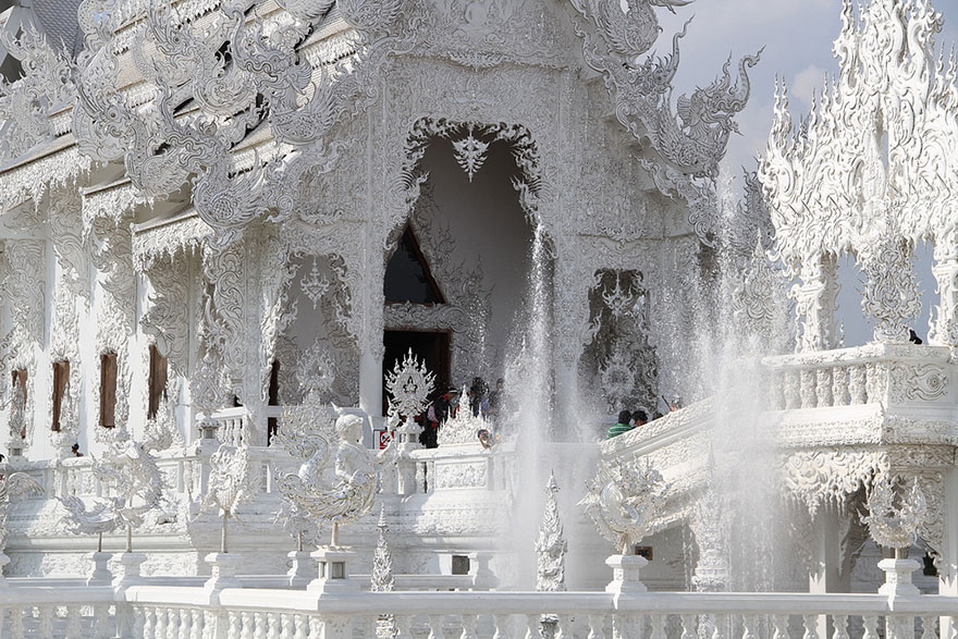 white-temple-thailand-20