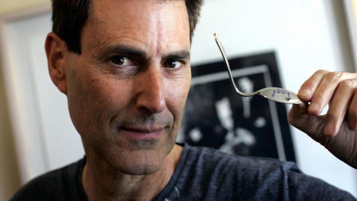 CIA 'convinced' by Psychic spoon-bender Uri Geller