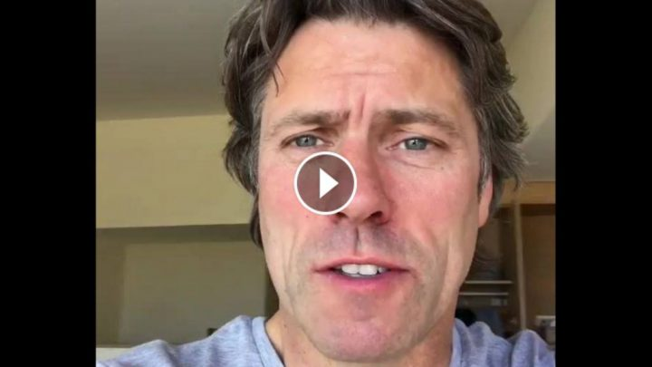 John Bishop is in Cornwall – He has a rant about bad hotel rooms while on tour: VIDEO