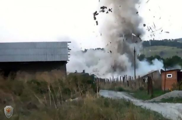 Watch Islamic Terror Cell Blow Themselves Up After Being Surrounded By Special Forces