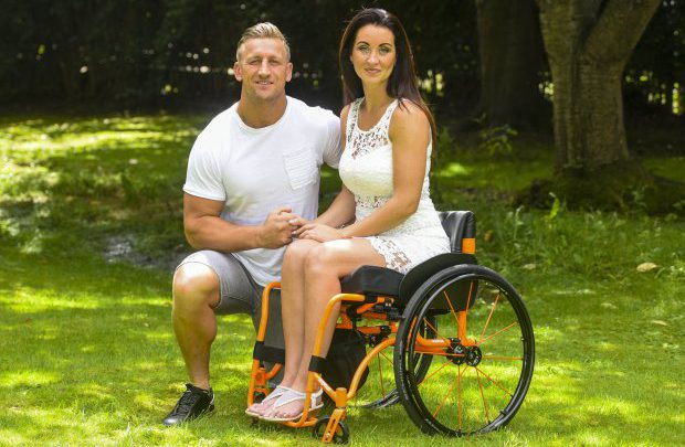 Woman Who's Husband Dumped Her When She Found Out She Was Paralysed Finds New Love With Personal Trainer