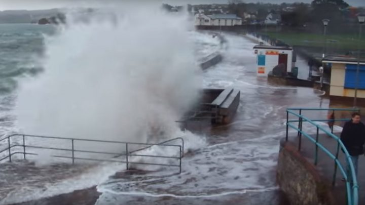 Hurricane winds causing carnage as storm Diana continues batter the UK when will it end?