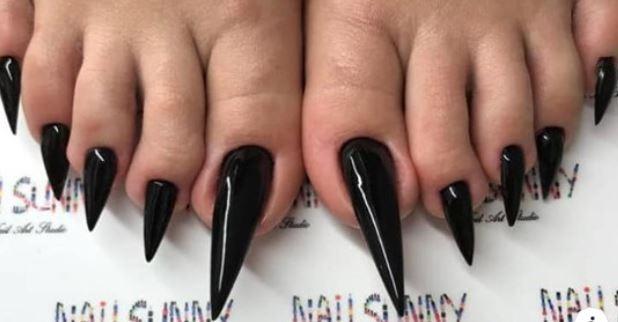 Latest Beauty Trend:  Extra Long Acrylic Toenails :O